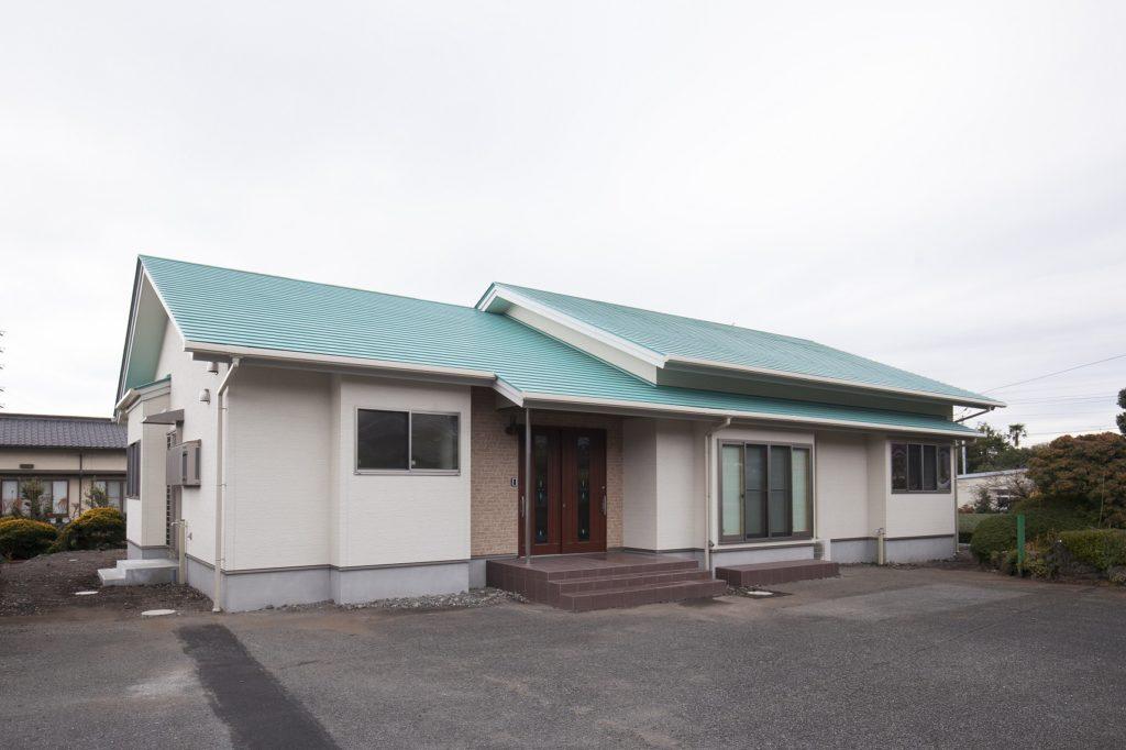 サンルームとはしご階段付き小屋裏収納のある平屋 富士市S様邸
