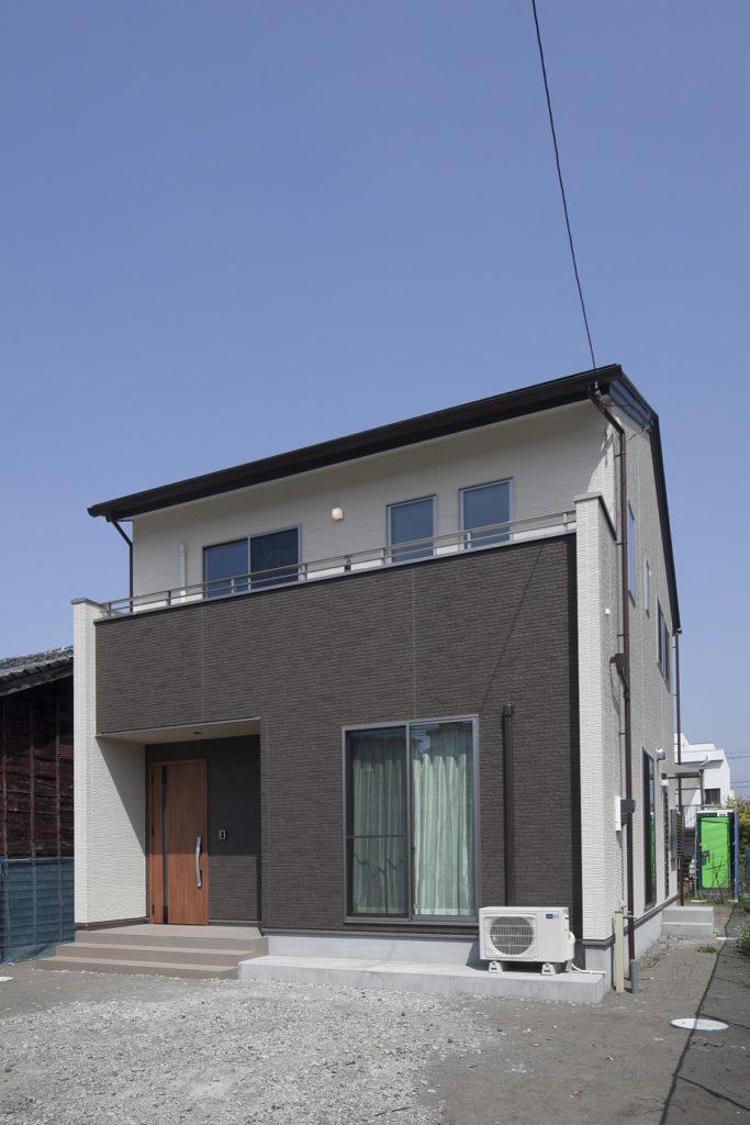 現代風な和室に書斎ペースを設けた家 富士市W様邸