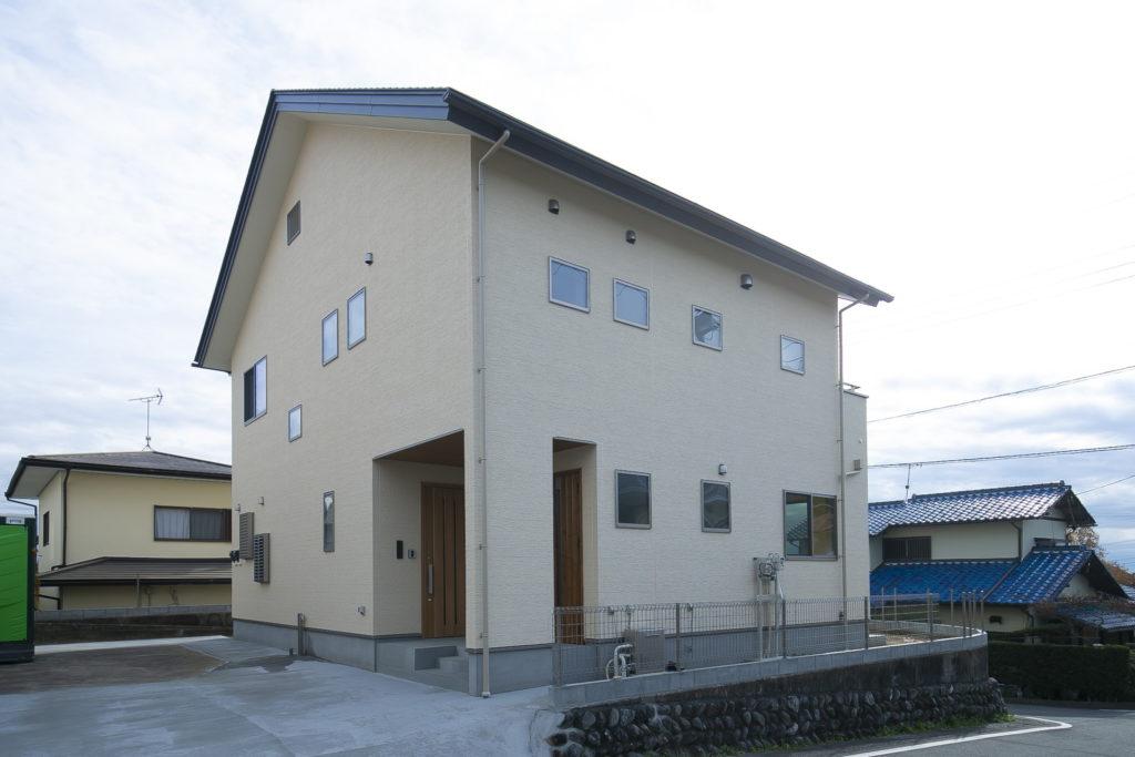 モデルハウスを参考にしたLDKが特徴的な完全分離型二世帯住宅 富士宮市N様邸