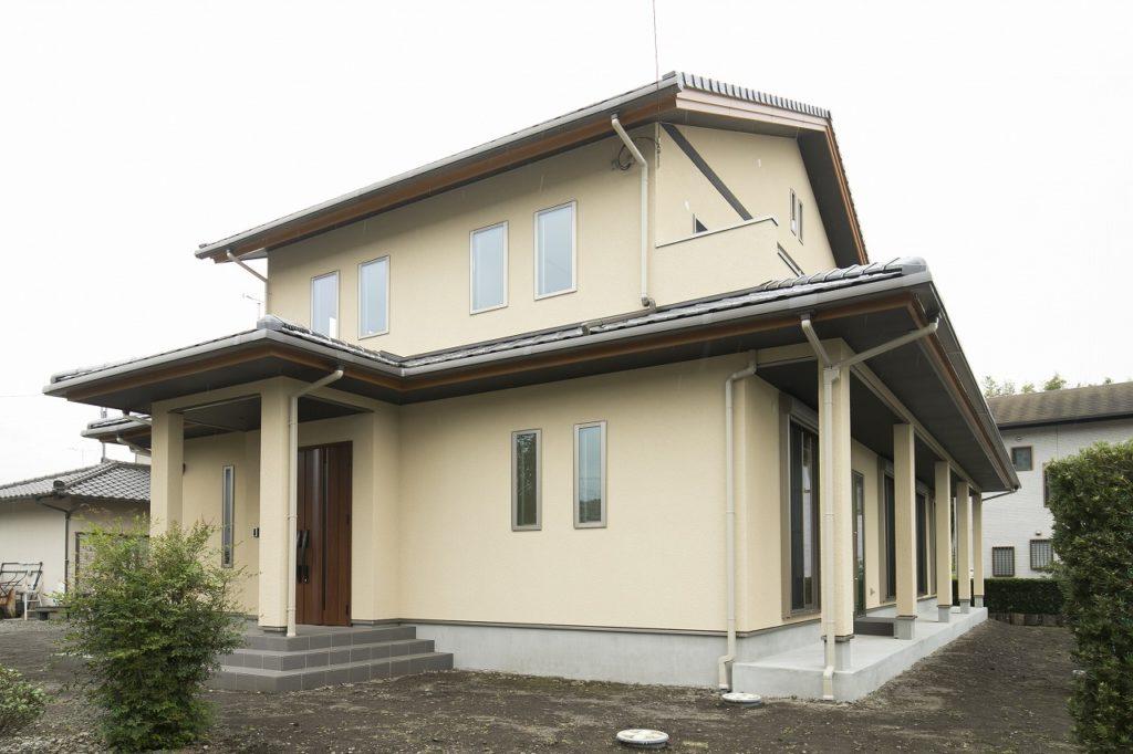 格子のある畳コーナーがモダンな空気を醸し出す二世帯住宅 富士宮市M様邸