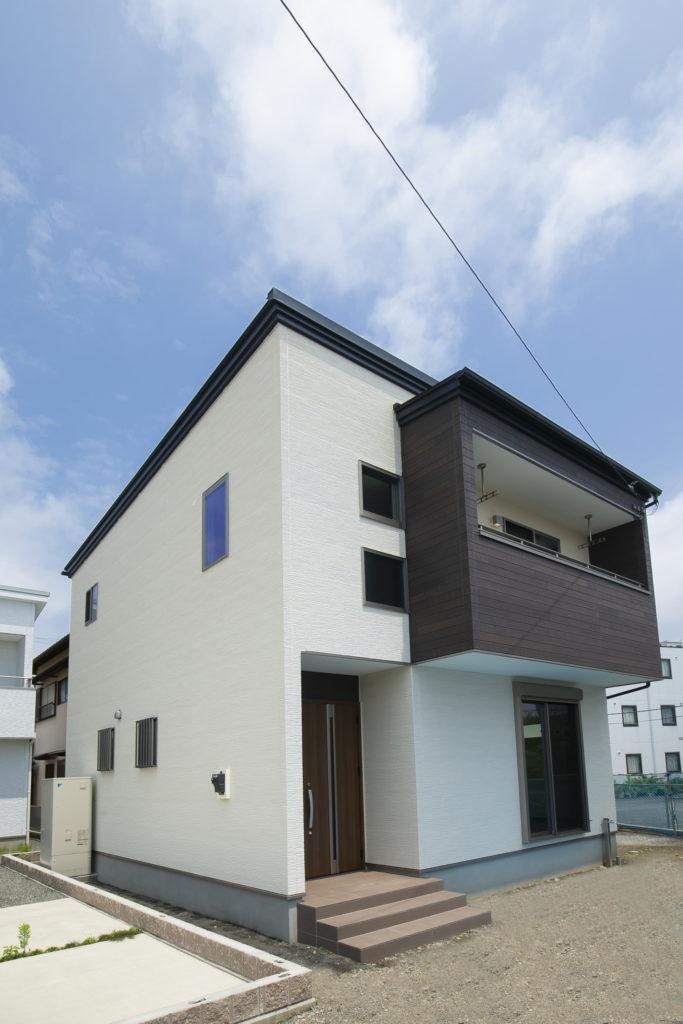 「ただいま」の声が聞こえるリビング階段のある家 富士市O様邸